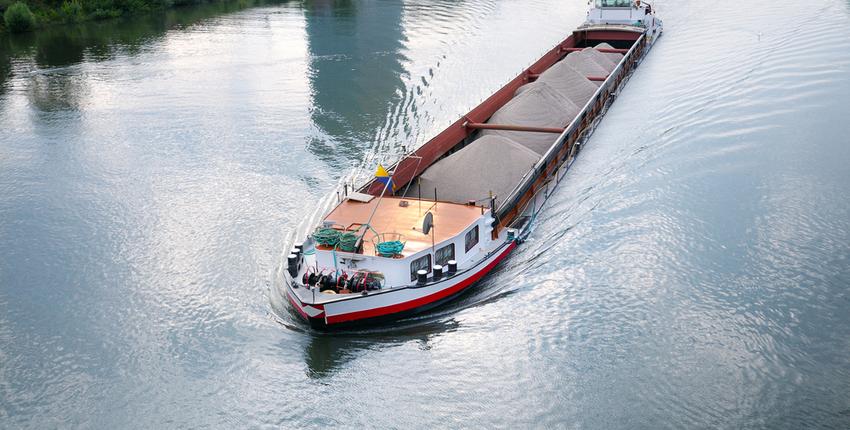 Barge pumps use carbon graphite