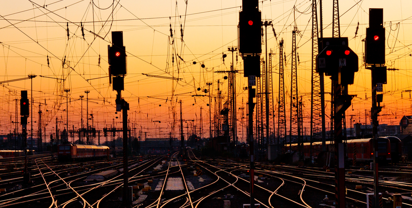 Rail contacts use carbon graphite